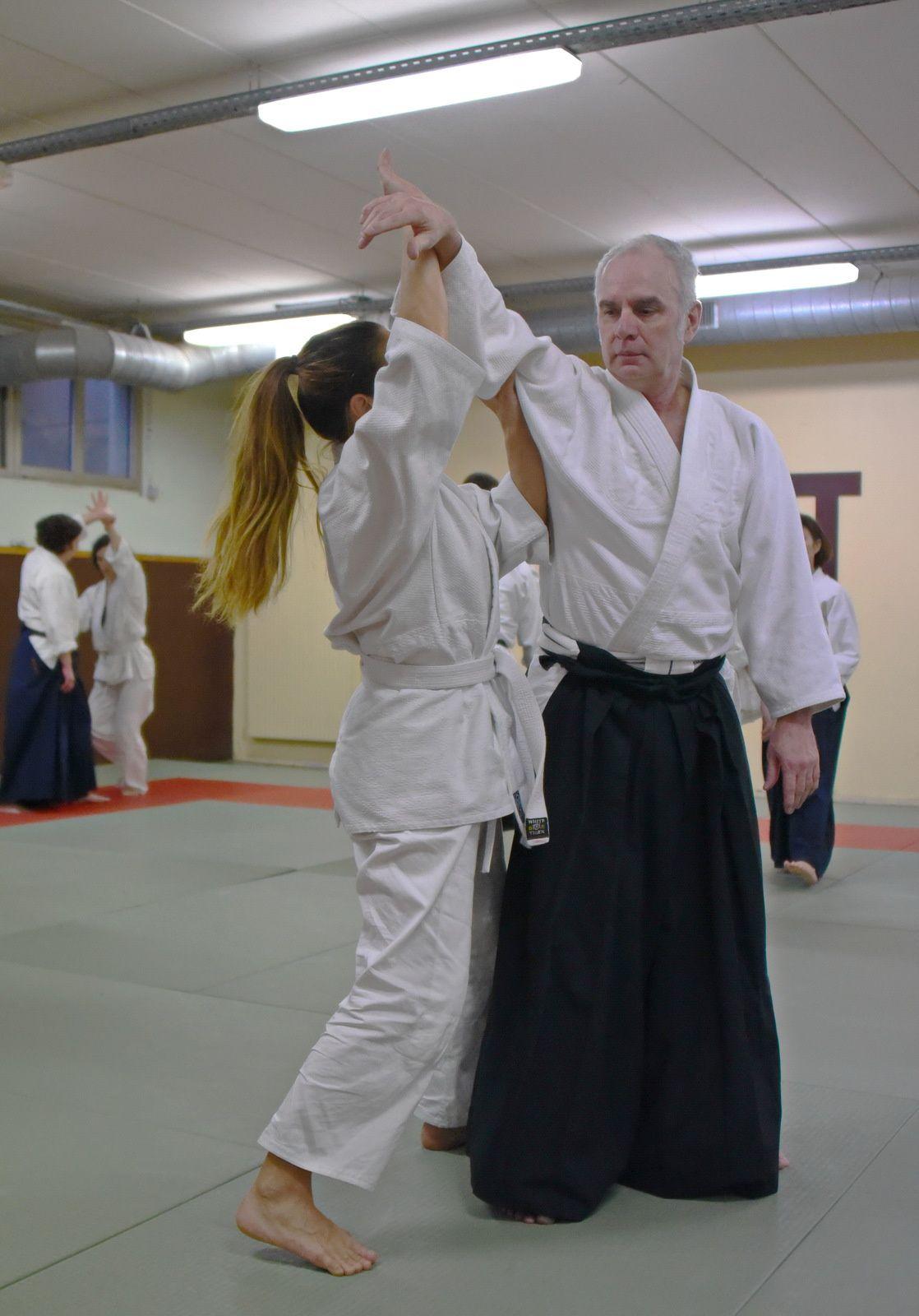 Source : Club d'Aïkido de Pantin, Traitement : Aïki-kohaï