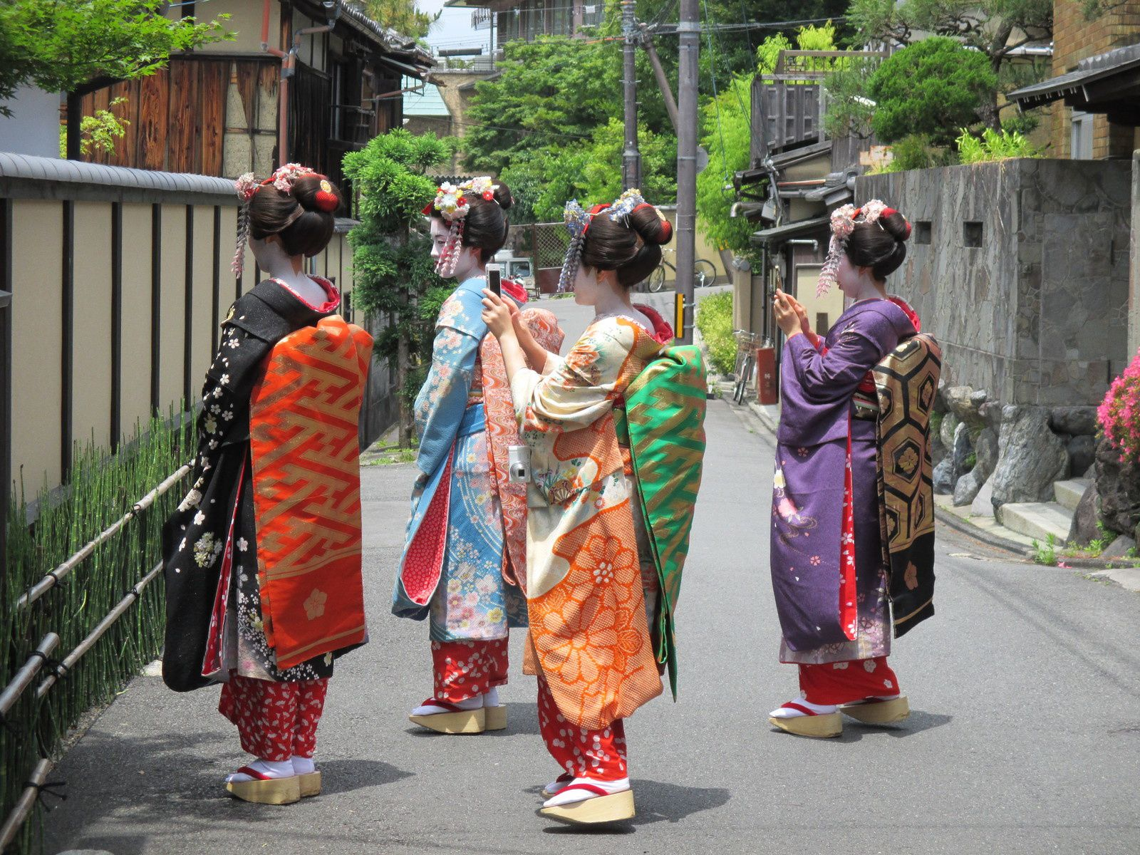 4 Geisha de Kyoto (Photo : Sophie Roche)