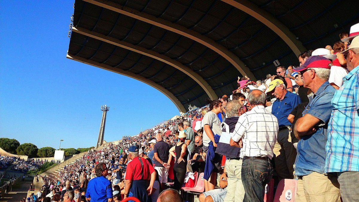 Ambiance enflammée lors des derby joués contre Perpignan et Narbonne cette saison (2014-2015, images personnelles)