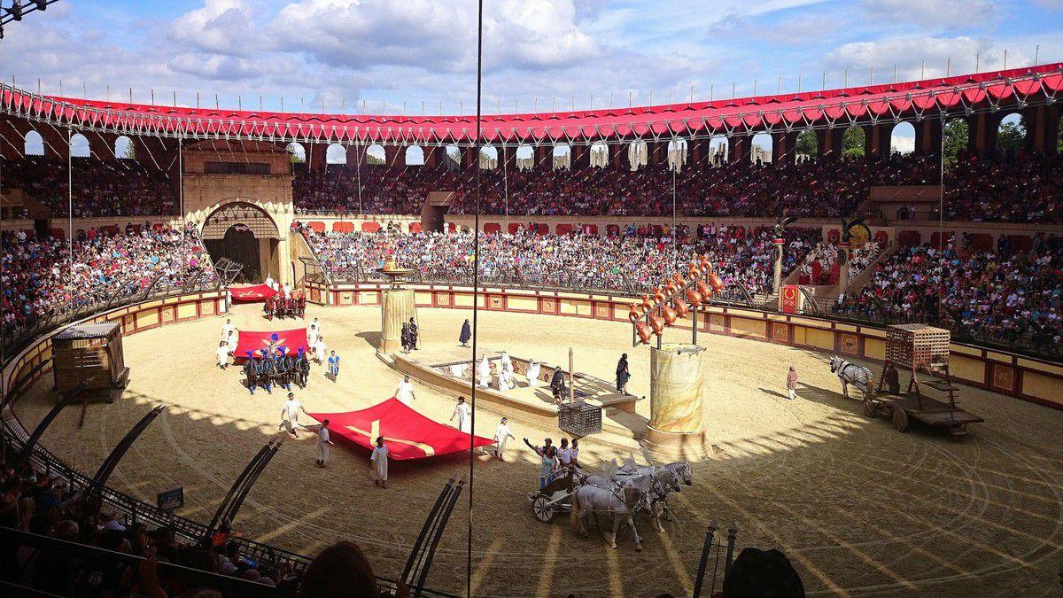 Grand spectacle et émotions garanties dans le Stadium Gallo Romain  (août 2014, images personnelles)
