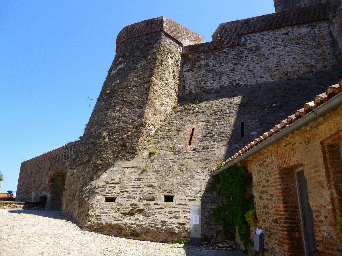 Quelques images de l'intérieur de la forteresse (avril 2014, images personnelles)