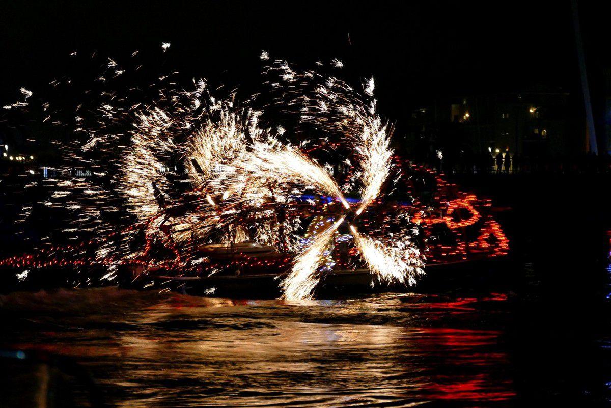Port d'attache, le son et lumière détonnant du groupe F pour célébrer les 350 ans du port de Sète (août 2016, images personnelles)