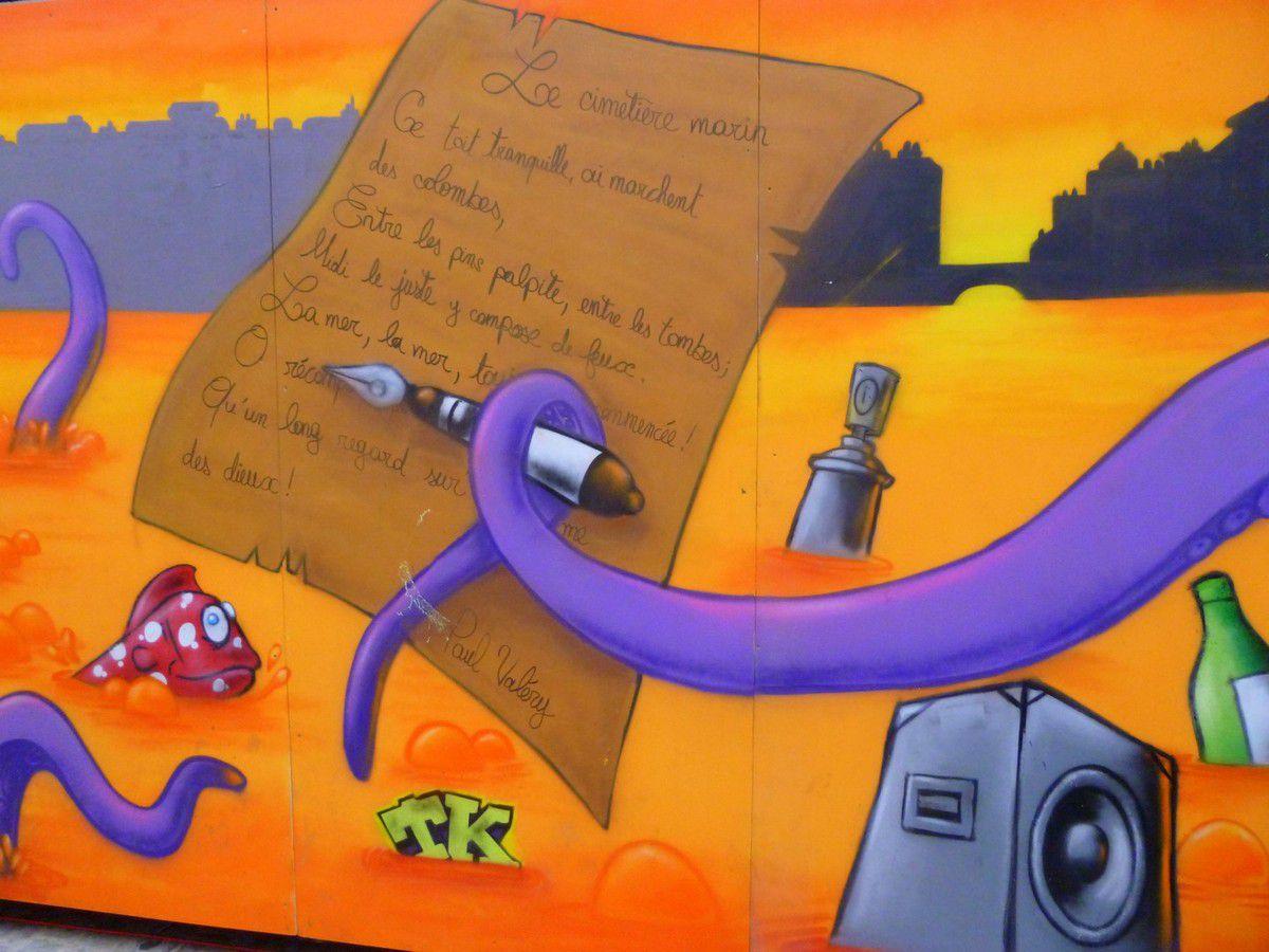 Brassens, Paul Valery, la mer, le poulpe, les huîtres de Bouzigues et bien évidemment les joutes... tous les grands symboles de la villes sont présents sur cette fresque (août 2013, images personnelles)