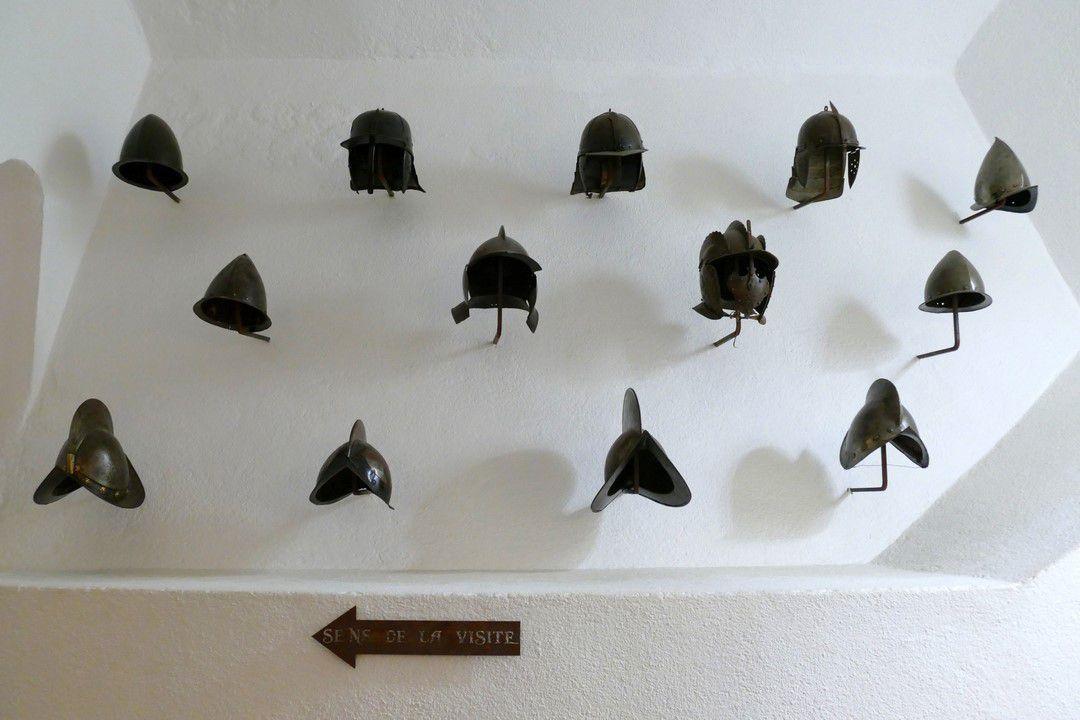 Une belle collection d'armes, d'armures et de pièces d'artillerie est proposée aux visiteurs (octobre 2016, images personnelles)
