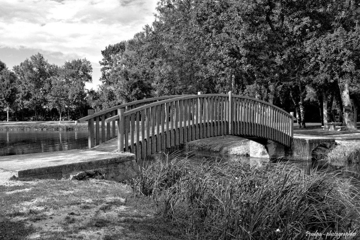 Le Plan d'eau de Saint Macoux - Août 2015 ......