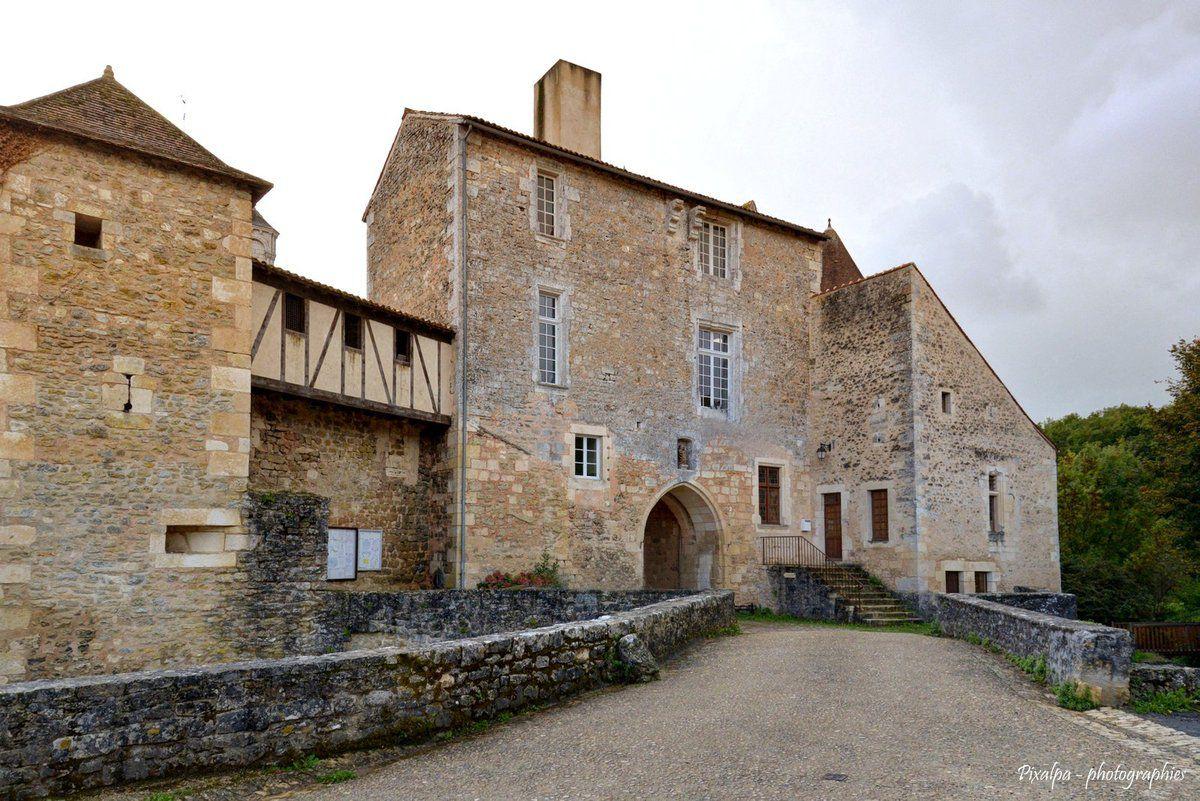 Nouaillé Maupertuis et son Abbaye......