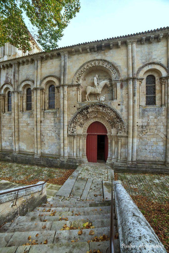 Eglise St Hilaire de Melle dans les Deux-Sèvres....