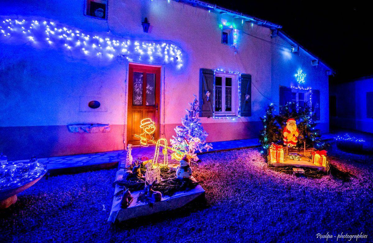 Village de &quot&#x3B;Chez les Houmeaux&quot&#x3B; , Décembre 2016 .....