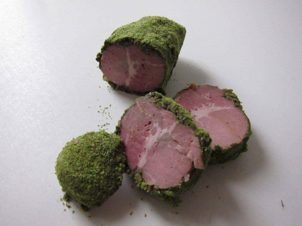 Rôti de porc froid en croûte de petits pois