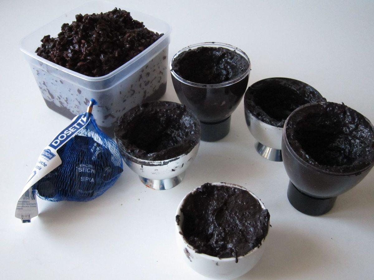 Noir c'est noir...et séppia tout...c'est aussi comestible.