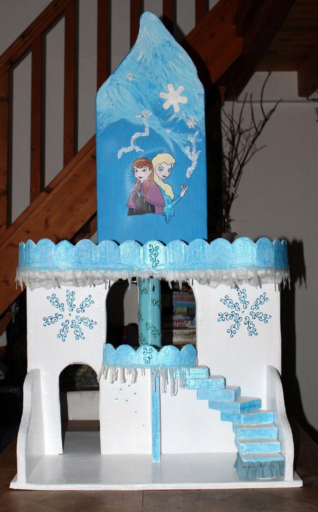 Château Reine des Neiges en carton