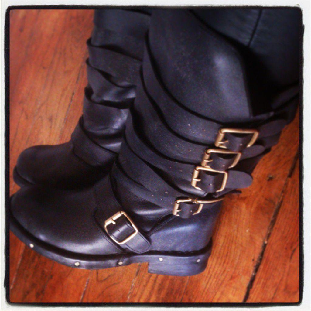 Brit Boots, Lita Black Distressed, Lita White Pony Fur, Bronte