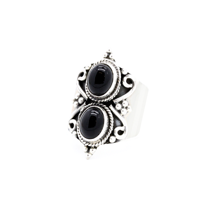 http://www.regalrose.co.uk/products/luja-onyx-sterling-silver-ring