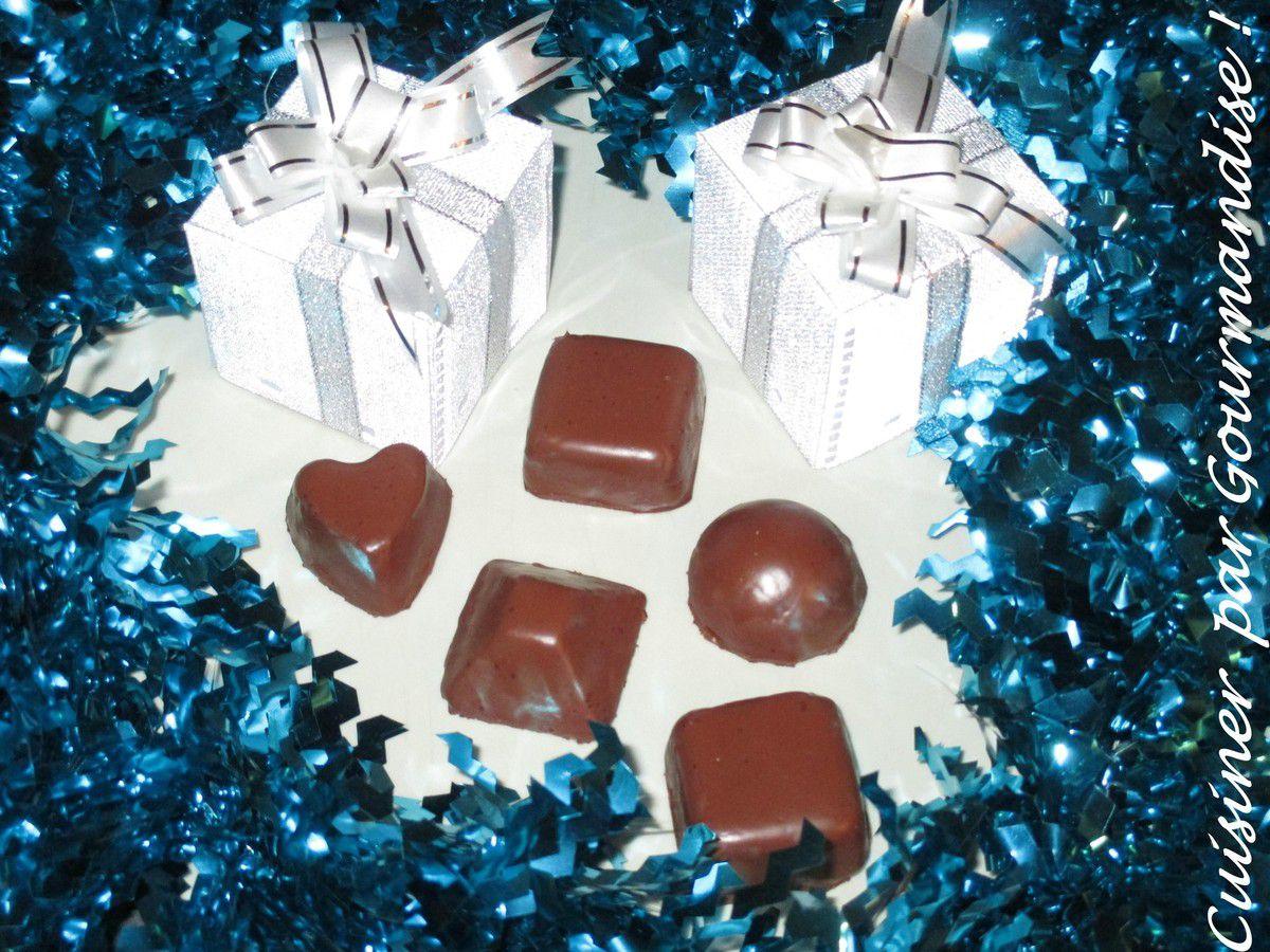 Chocolats de Noël fourrés à la Pâte d'Amande