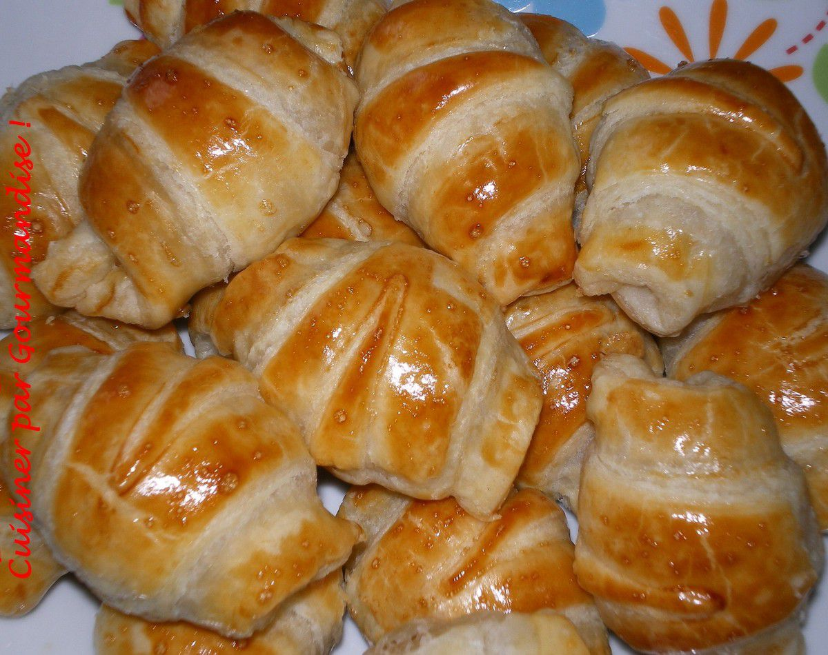 Mini Croissants Surprise