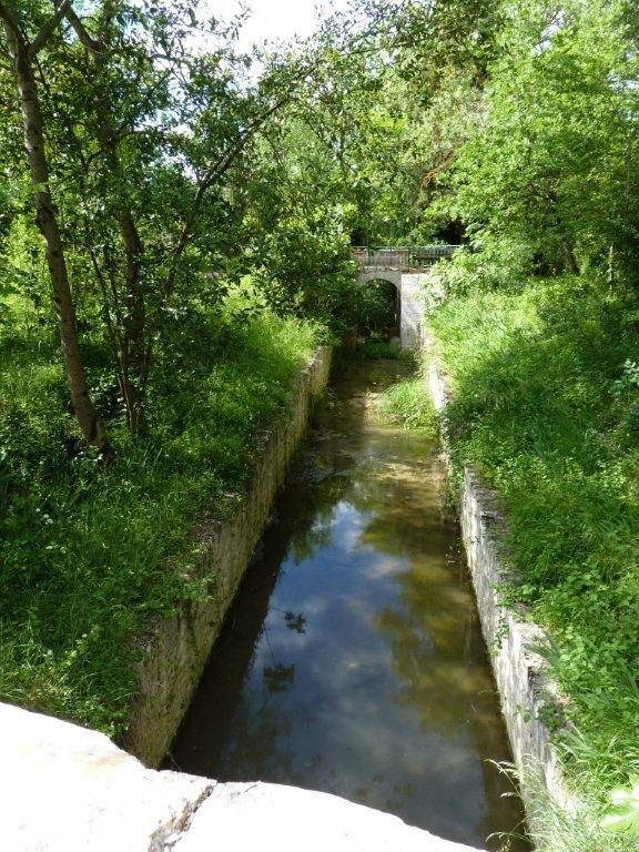 l'épanchoir de Foucaud par lequel on vide le canal tous les 4 ans pour le nettoyer