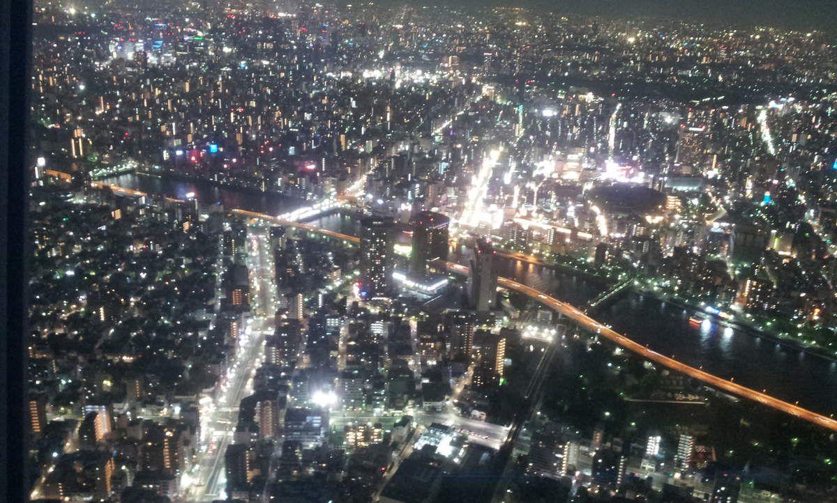 Le Skytree, la nuit.