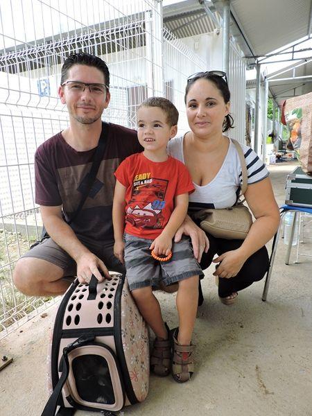 Melba, la belle tricolore rejoint sa famille d'adoption. Que des heureux ! N'est-ce pas Lucas ?