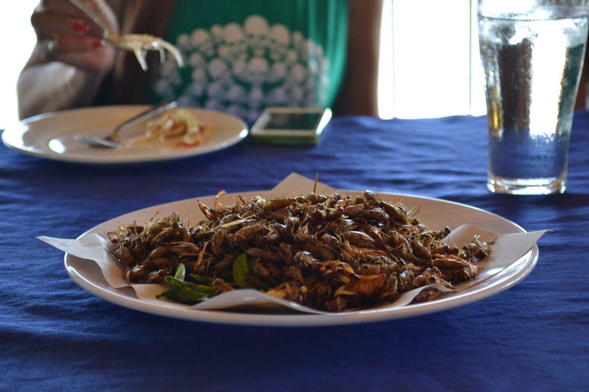 Un burritos à la mode laotienne dans une feuille !