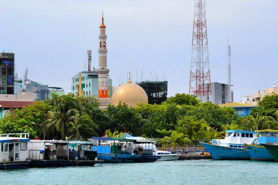 Mosque in Malé from Villingili ferry terminal ☪
