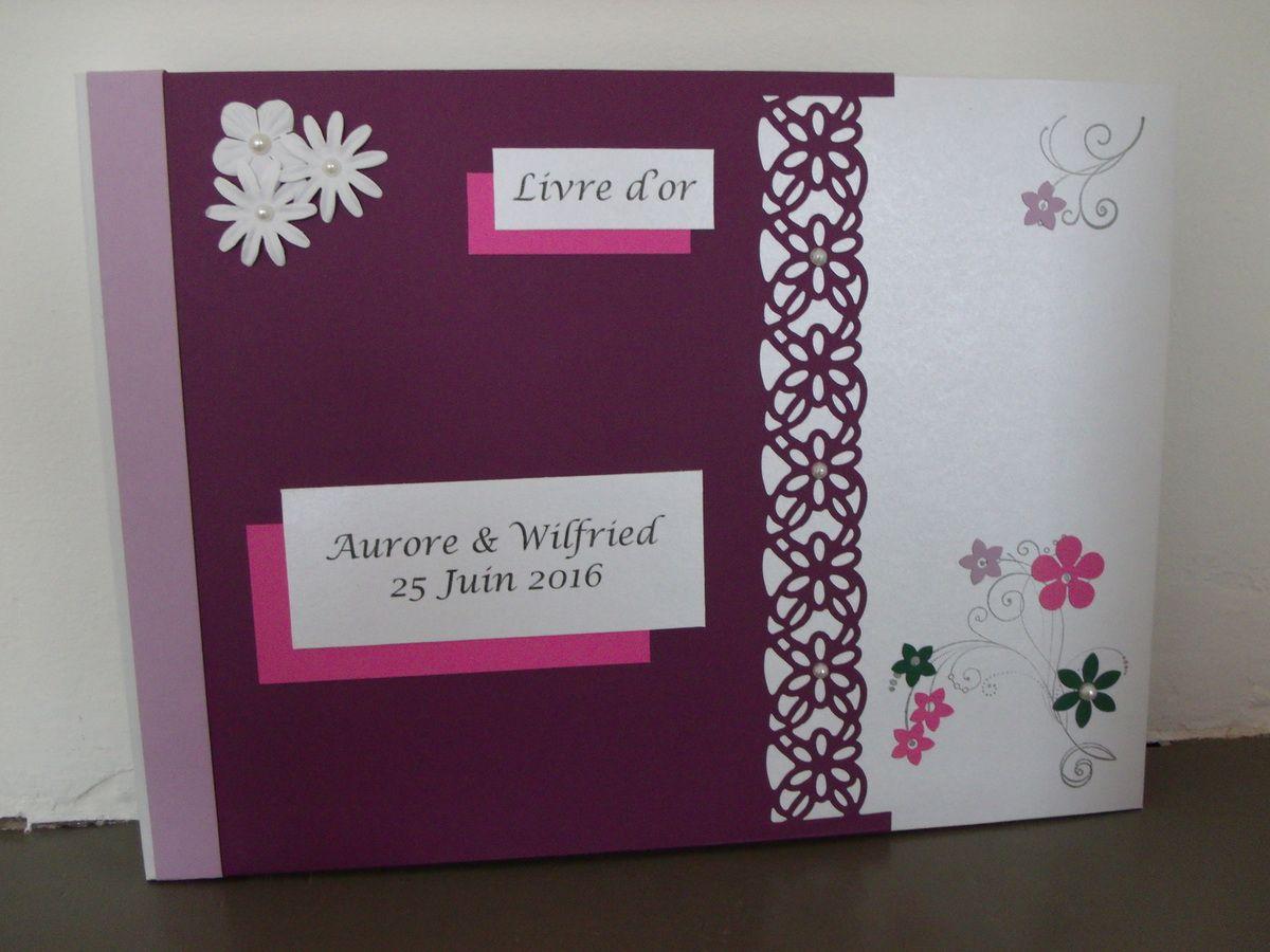 Livre d'or violet et rose