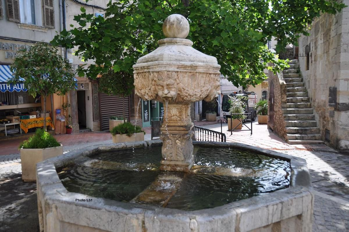 la fontaine Saint-Laurent