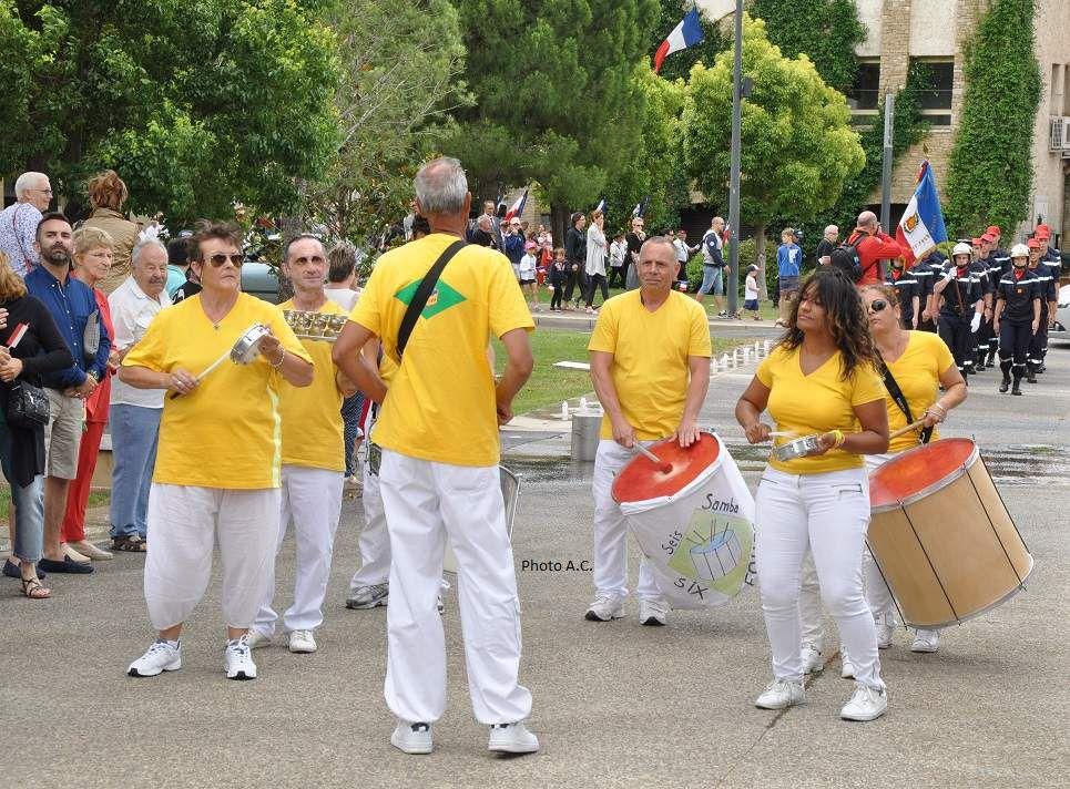 les percussionnistes de Seis Samba