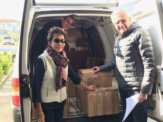 Viviane et Francis Thiry et un des bénévoles de l'association Sekolin' Ny Masoandro