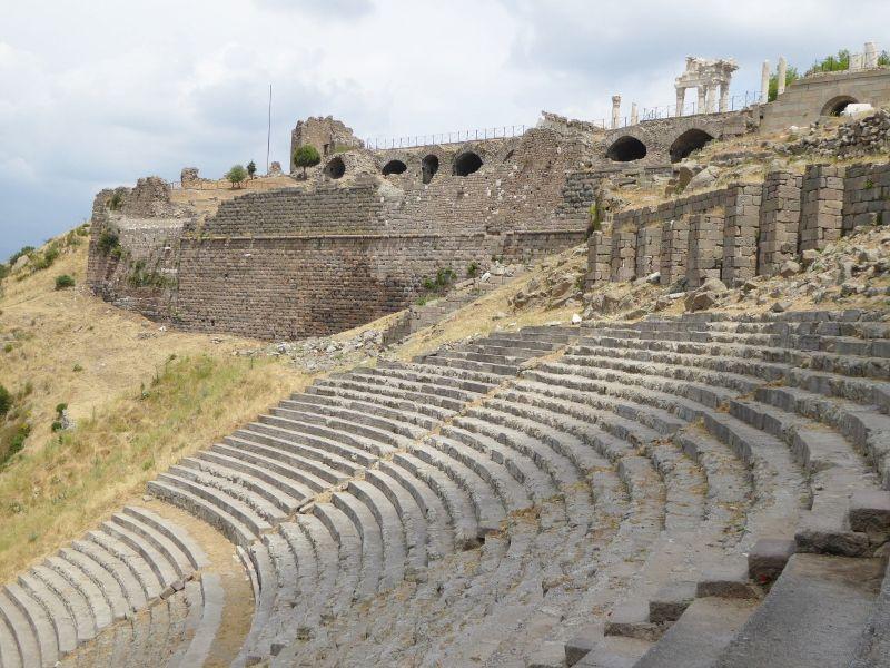 temple d'asclepios, le theatre de l'acropole