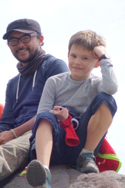 Avec Adrin, le fils de Christian qui nous a guidé pour le trek