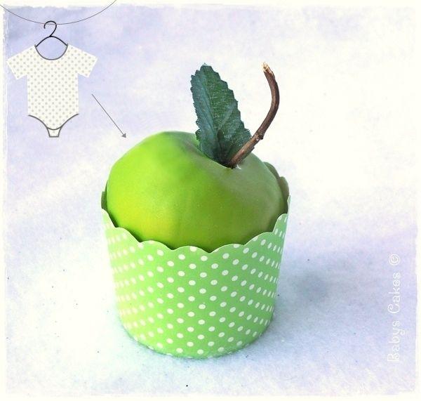 Cadeau de naissance pomme granny wrap