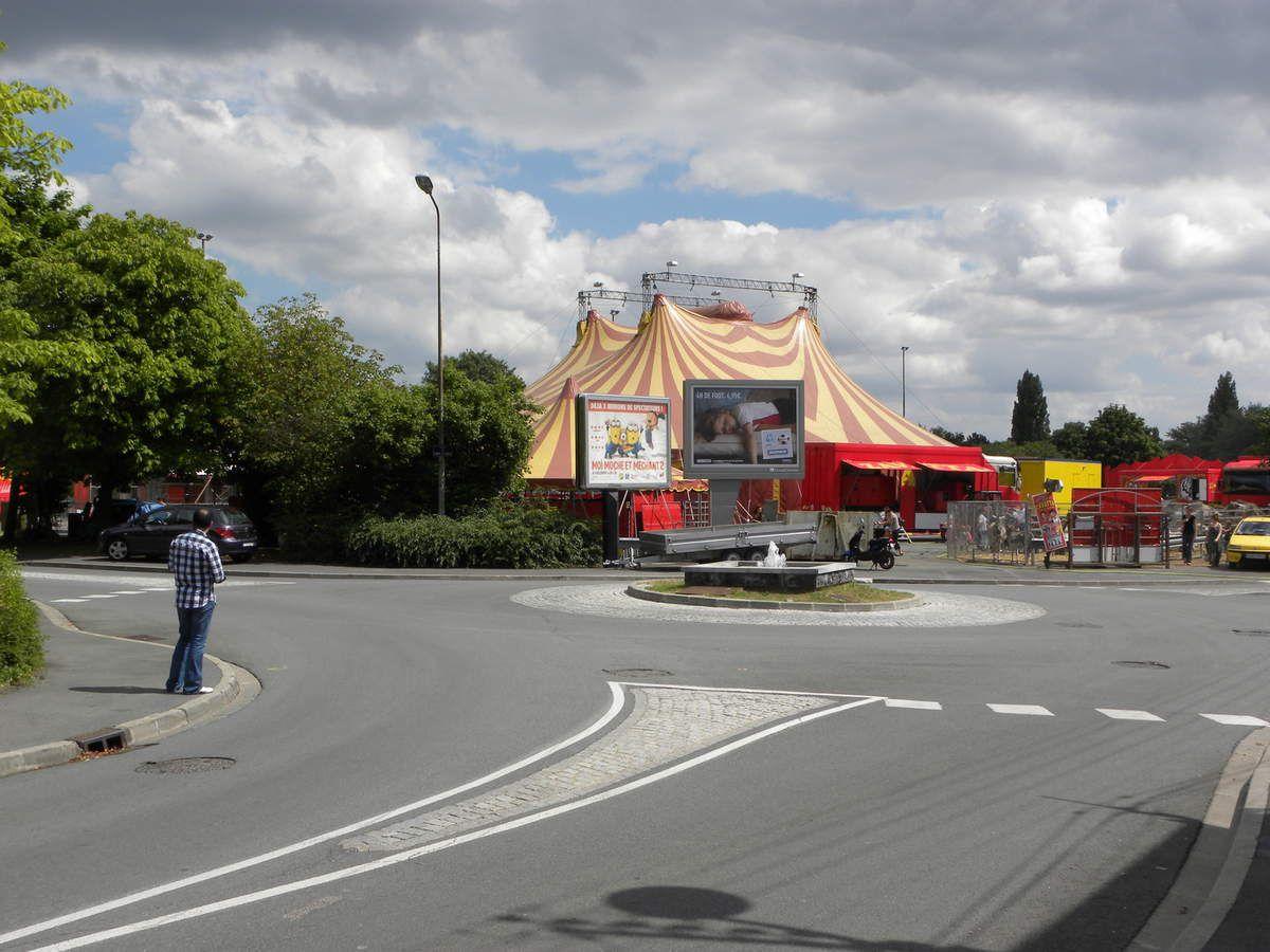 A Béthune, les cirques s'installent place De Gaulle