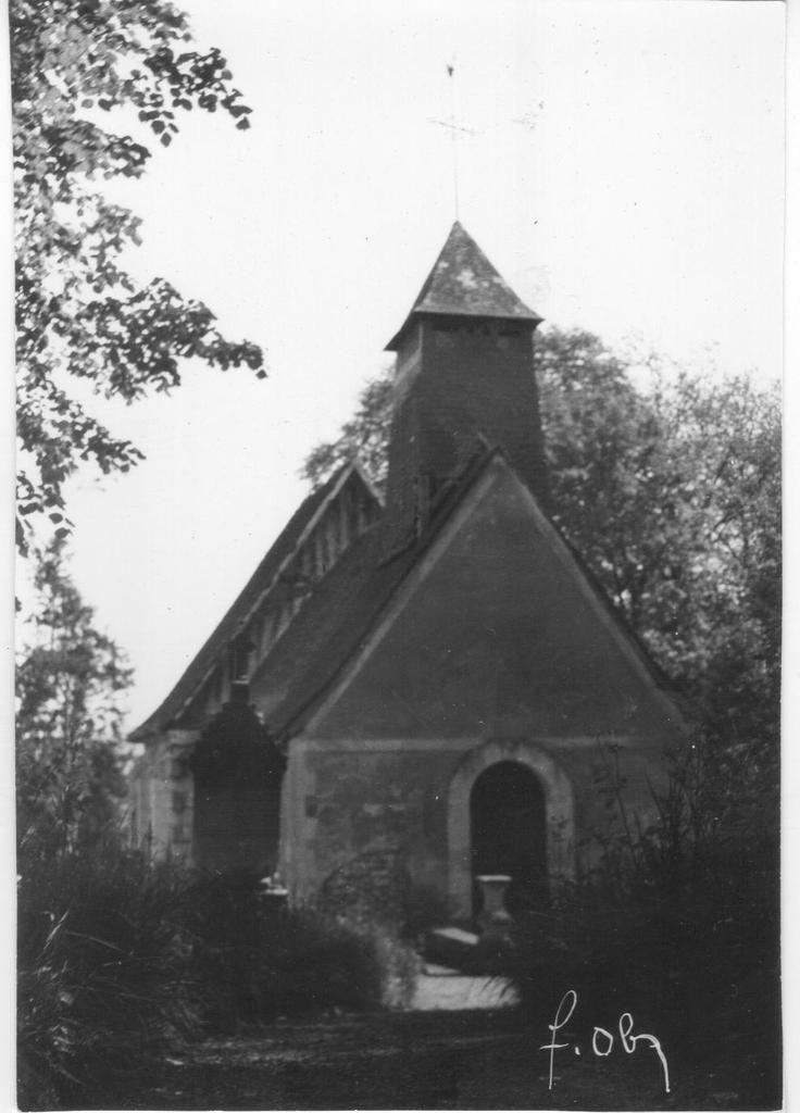 La chapelle d'Hautot sur Seine en noir et blanc