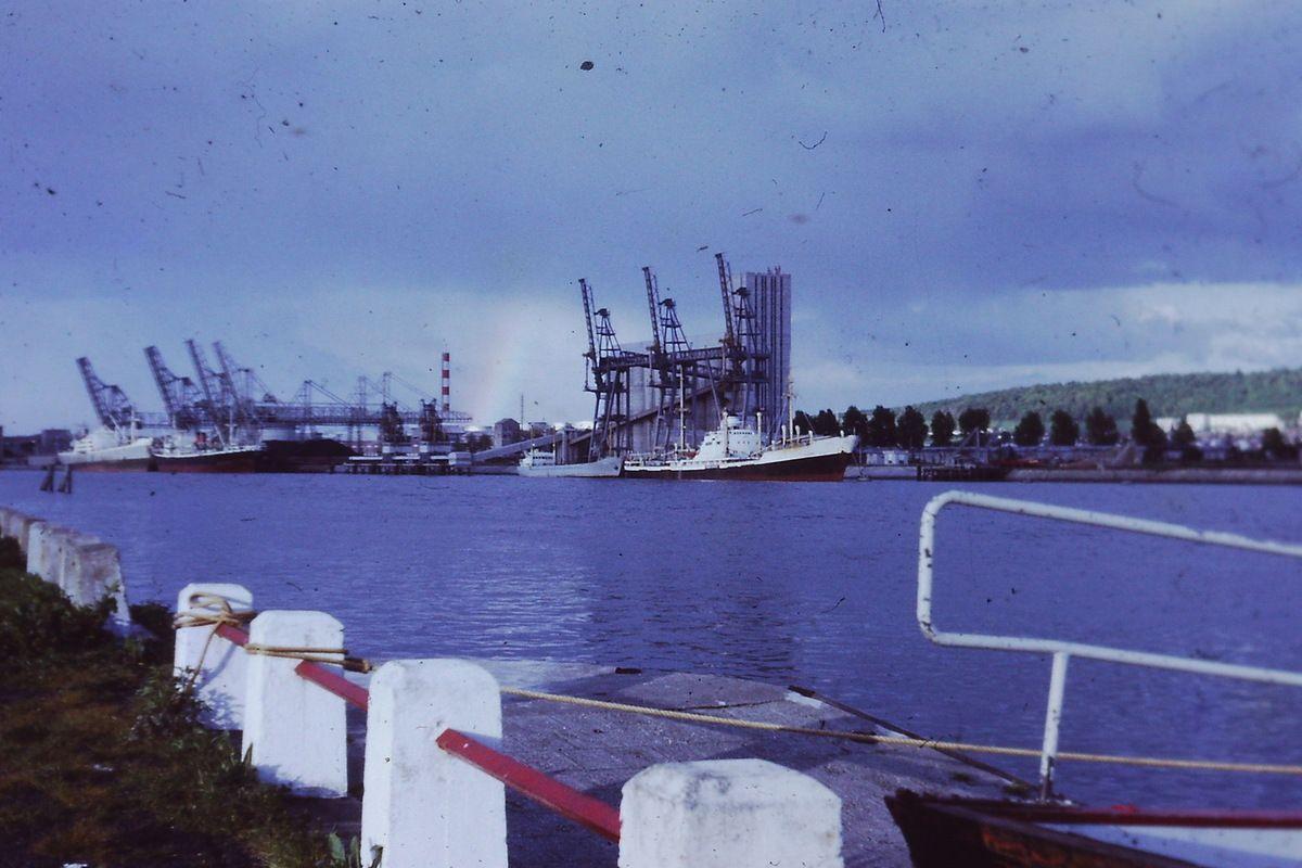 Les grues du port de Rouen vues d'Hautot sur Seine