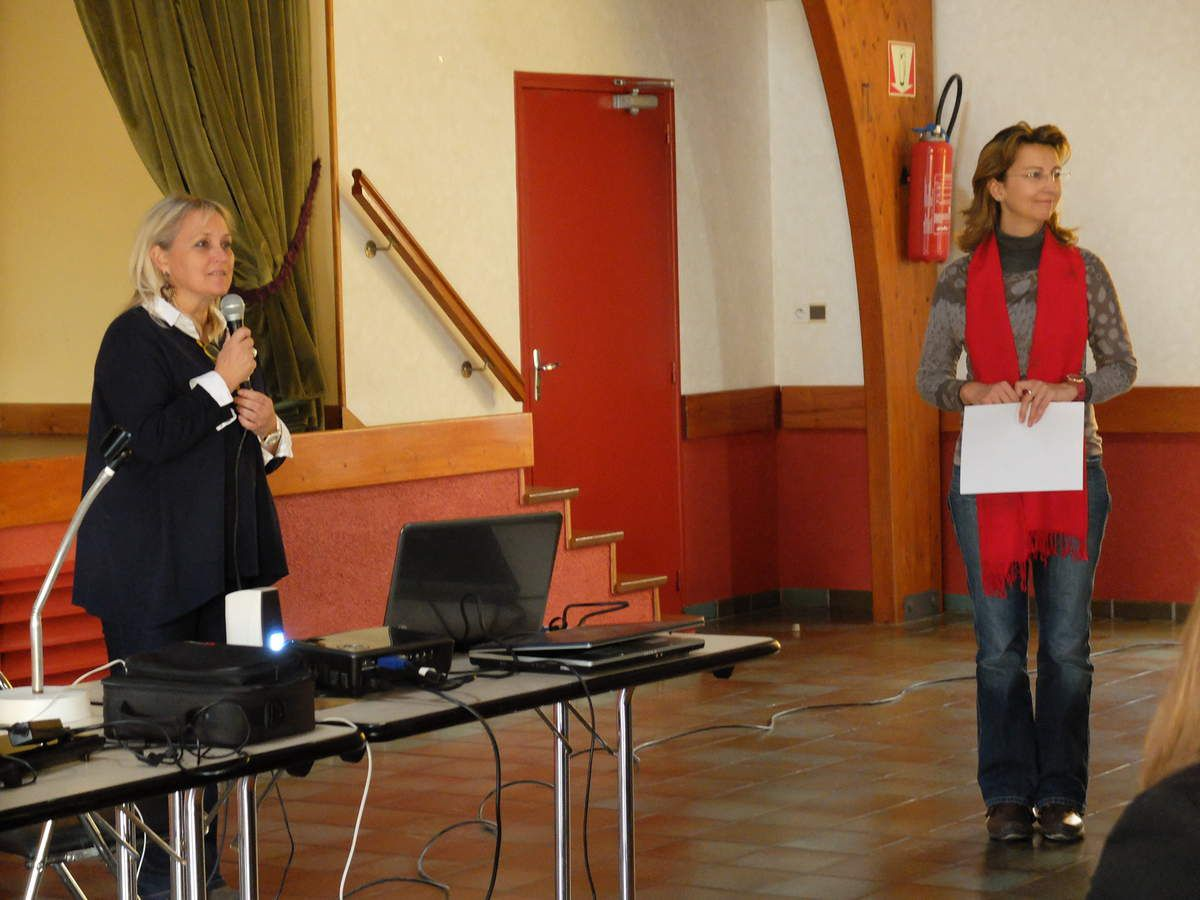 On Monday November 10th : Presentation by the foreign teachers of their schools to the students at Collège Calmette et Guérin.