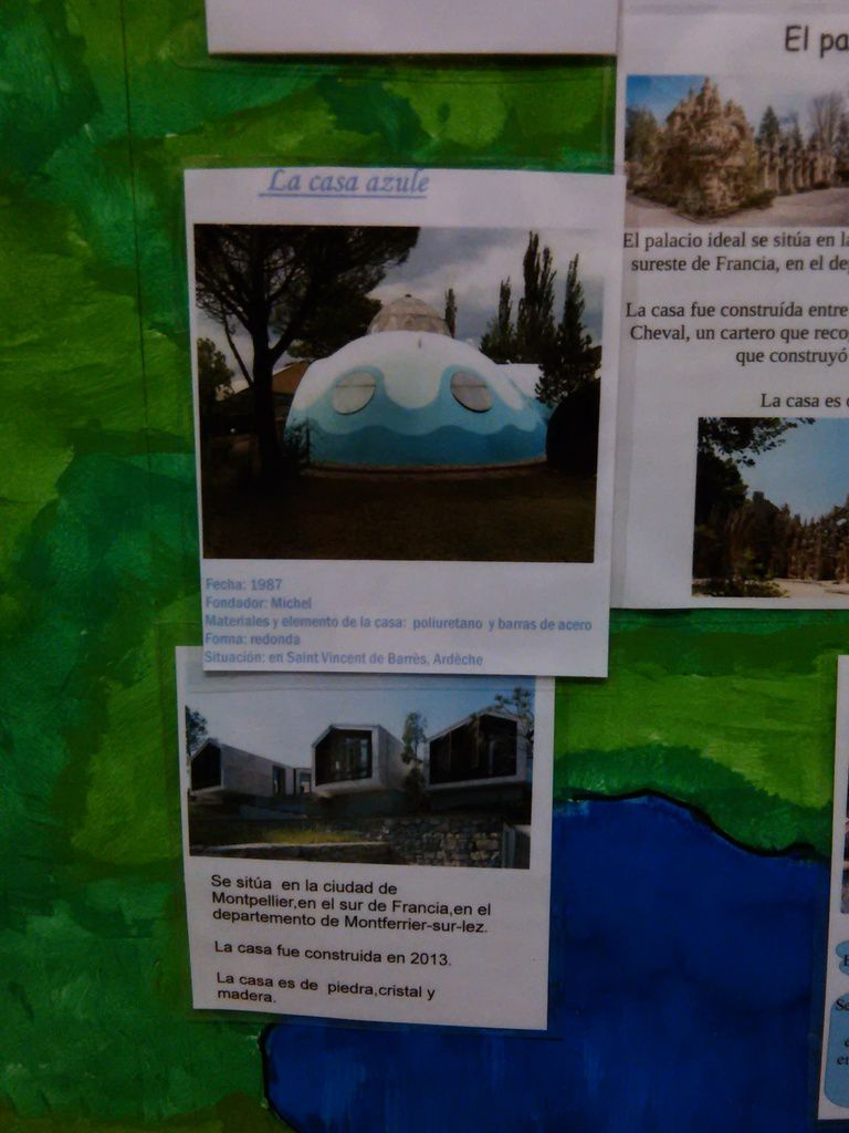 Ecueillé's students have found original houses in France