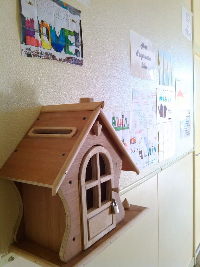 A little house to collect students' ideas at Collège Calmette et Guérin!
