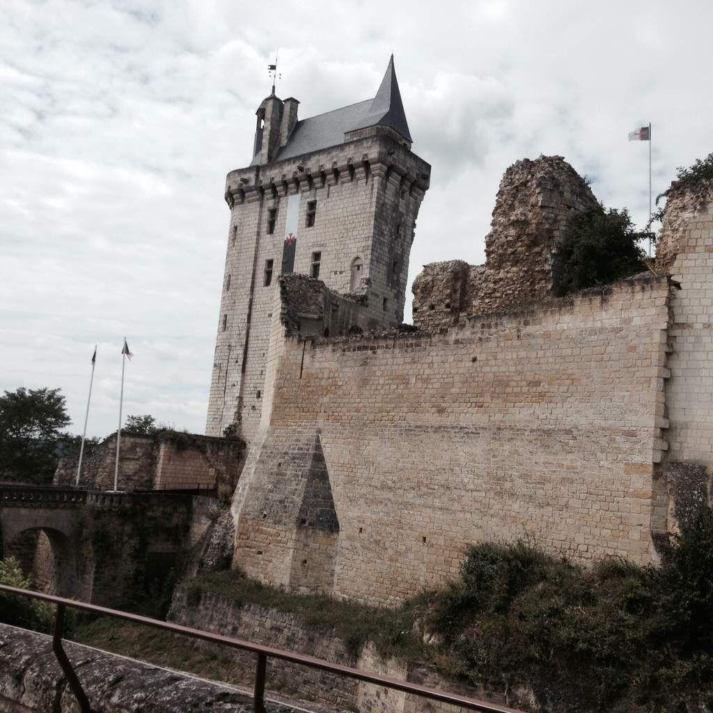 Tour de l'horloge abritant la cloche Marie Javelle