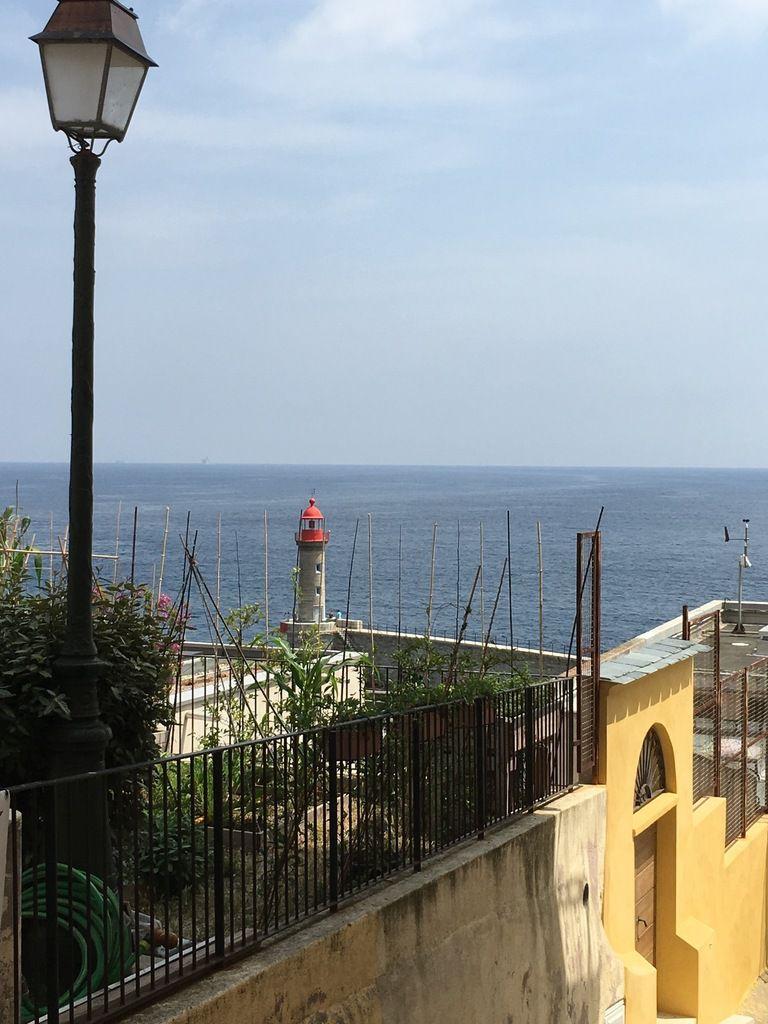 Entrée de Port et phare vu de la Citadelle