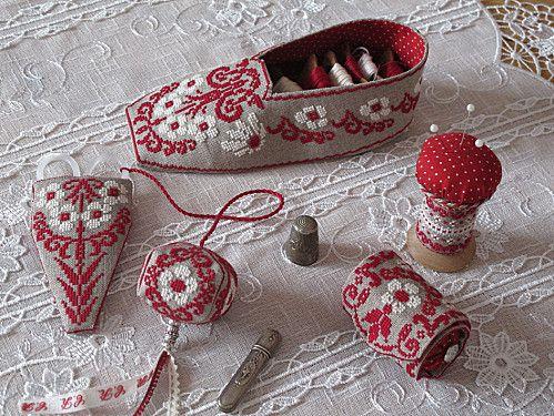 Pantoufle de brodeuse et accessoires