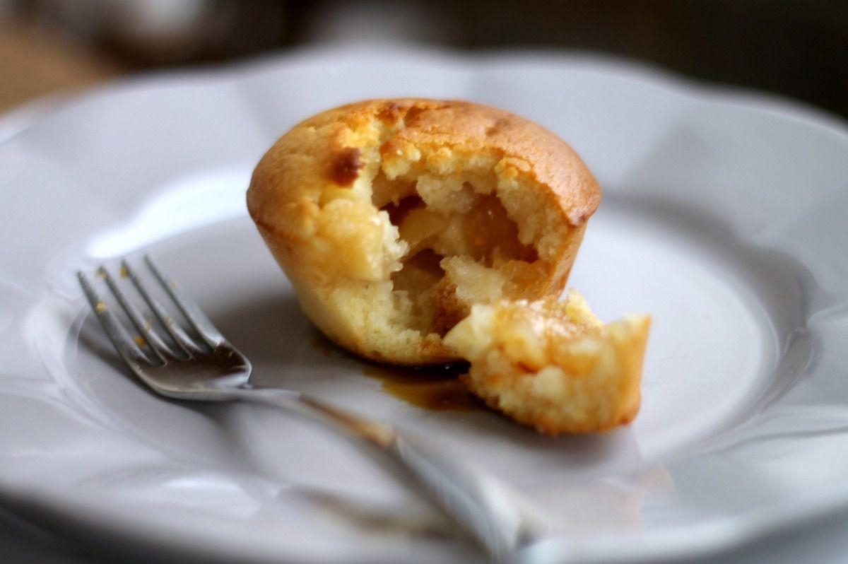 Gâteaux moelleux au coeur tendre de pommes caramélisées