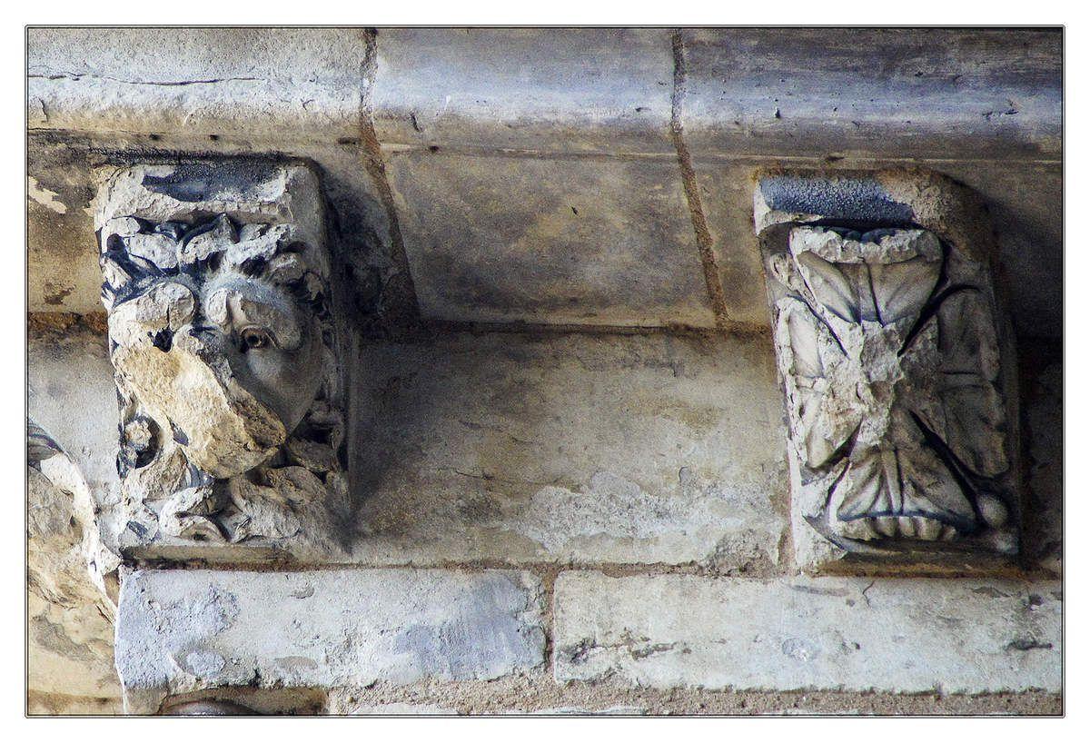 Modillons façade nord de la cathédrale Saint-Julien du Mansmos