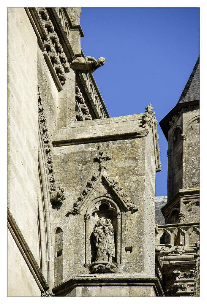 Façades exterieur de la cathédrale Saint-Julien du Mans.