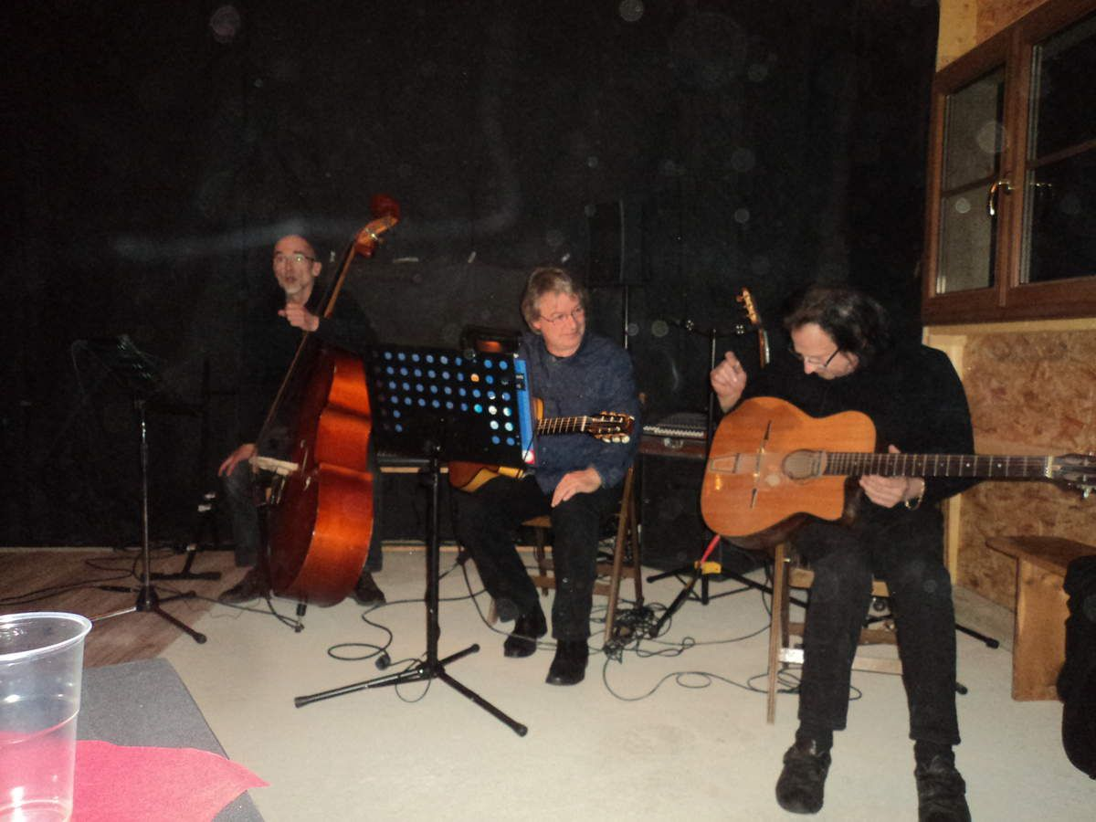 "Le groupe ""swing guitar"""