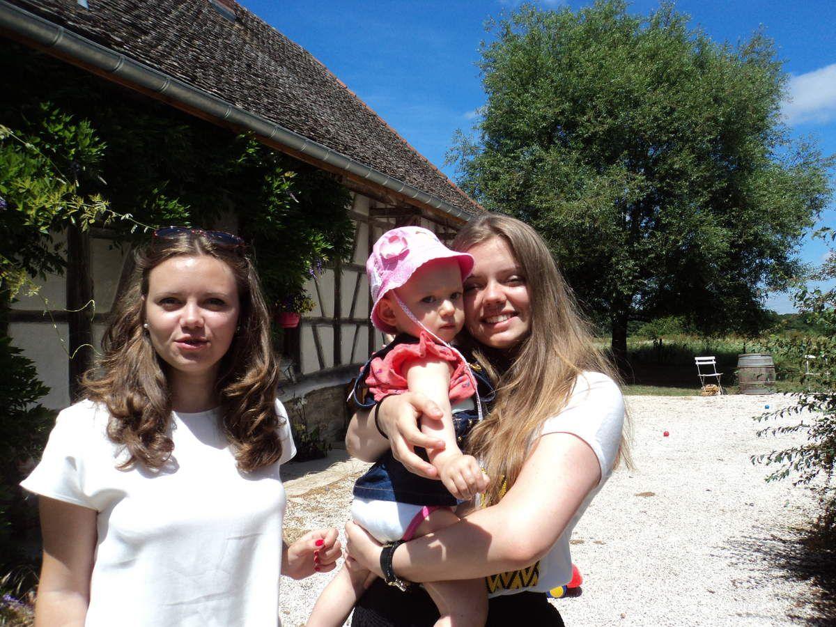 Sophie, Alice et Charlotte... les cousines !