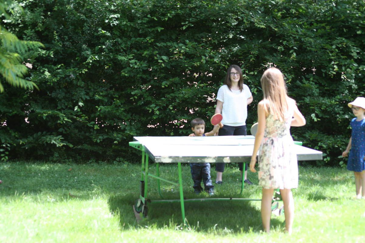 Il y a le ping pong...