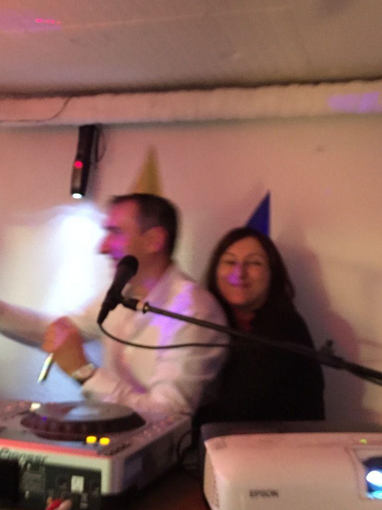 la groupie du DJ !!!!!