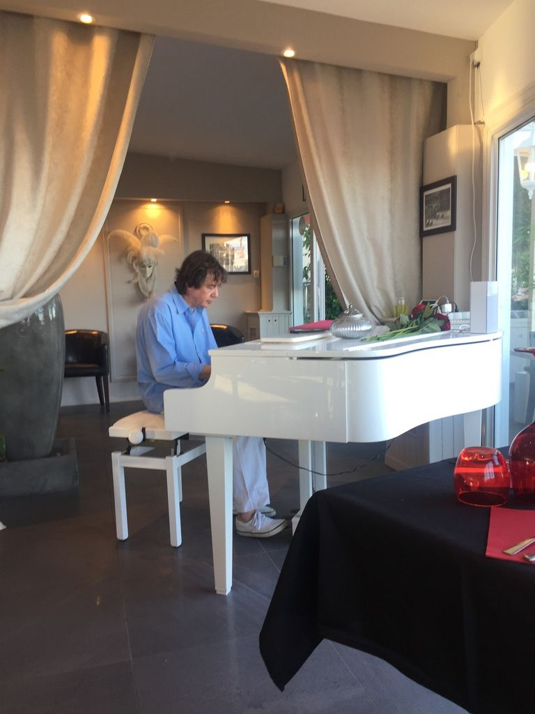 Soirée piano bar pour clôturer le séjour !