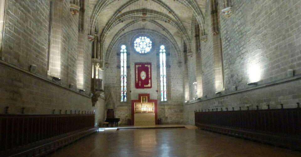 Pampelune: porte de France, mairie, cathédrale, plaza de Torros
