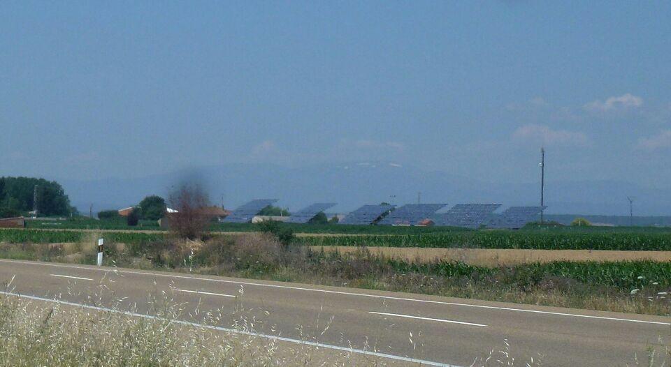 panneaux solaires géants